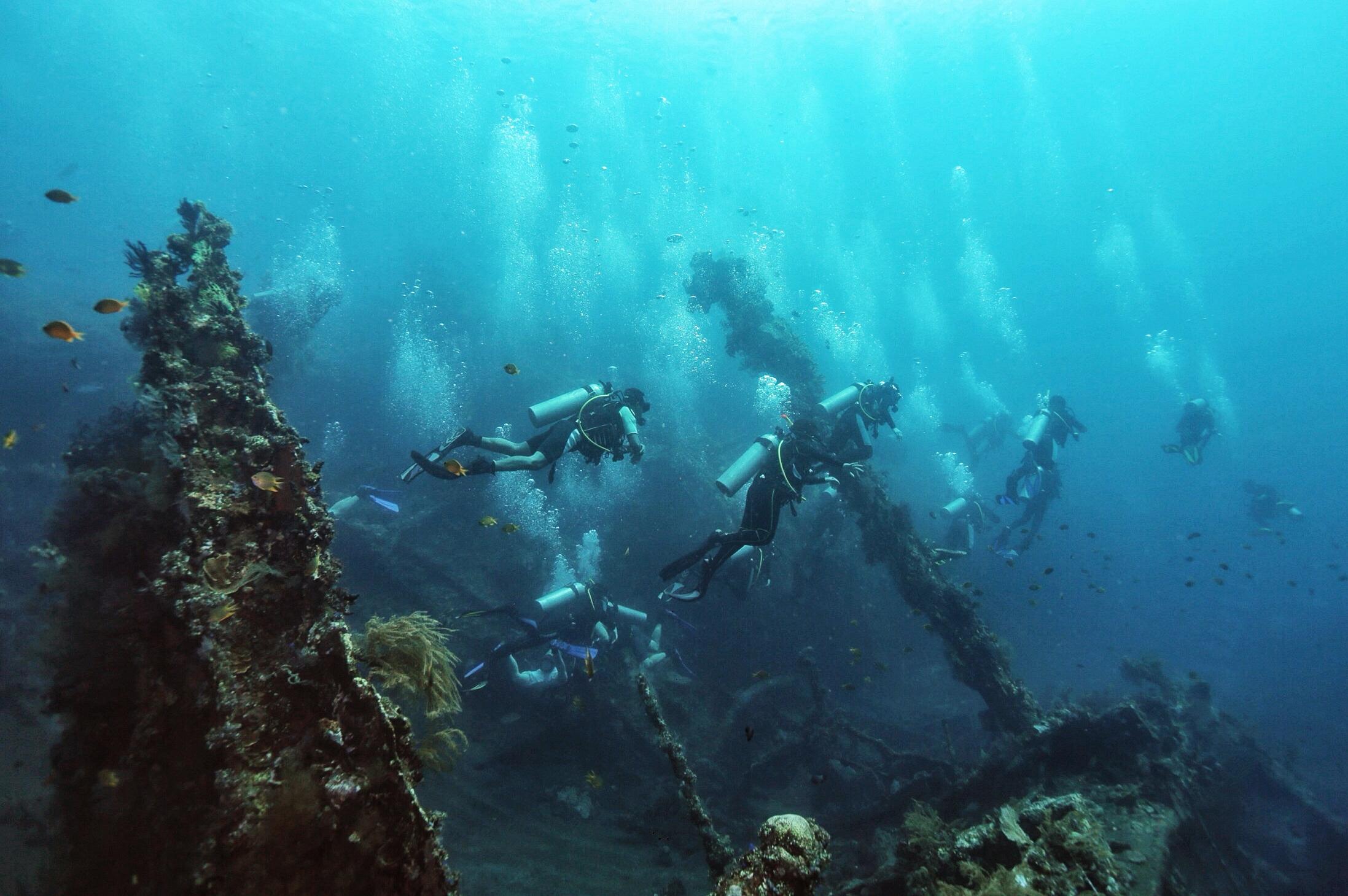 Dive Tour