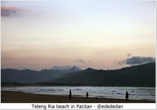 blog teleng ria beach.JPG